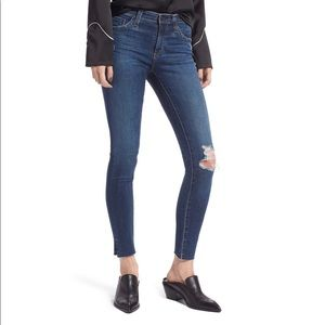 AG The Legging Ripped Ankle Skinny Jean 27